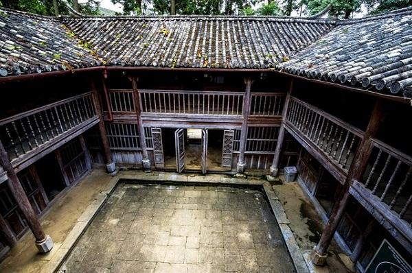 Kết quả hình ảnh cho dinh thự họ Vương