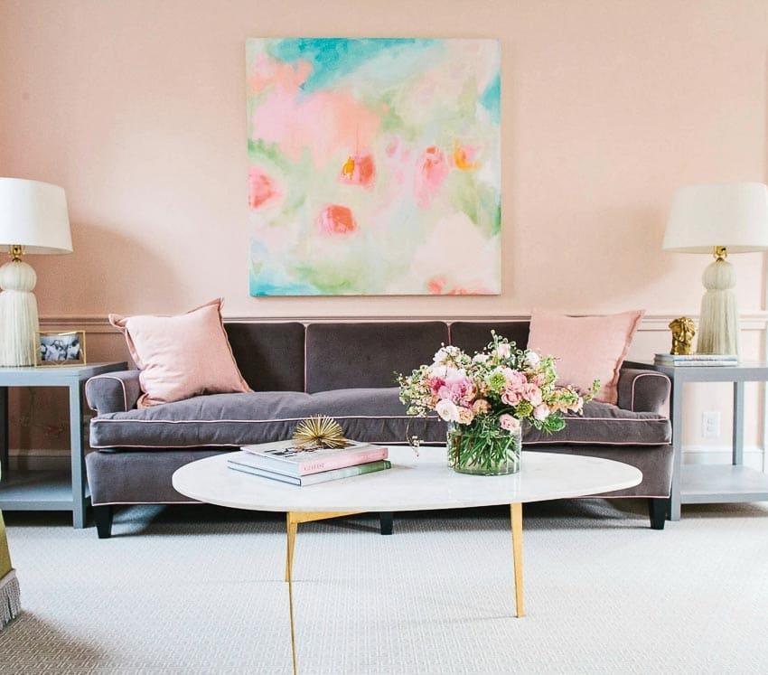 Hoa trong phòng khách